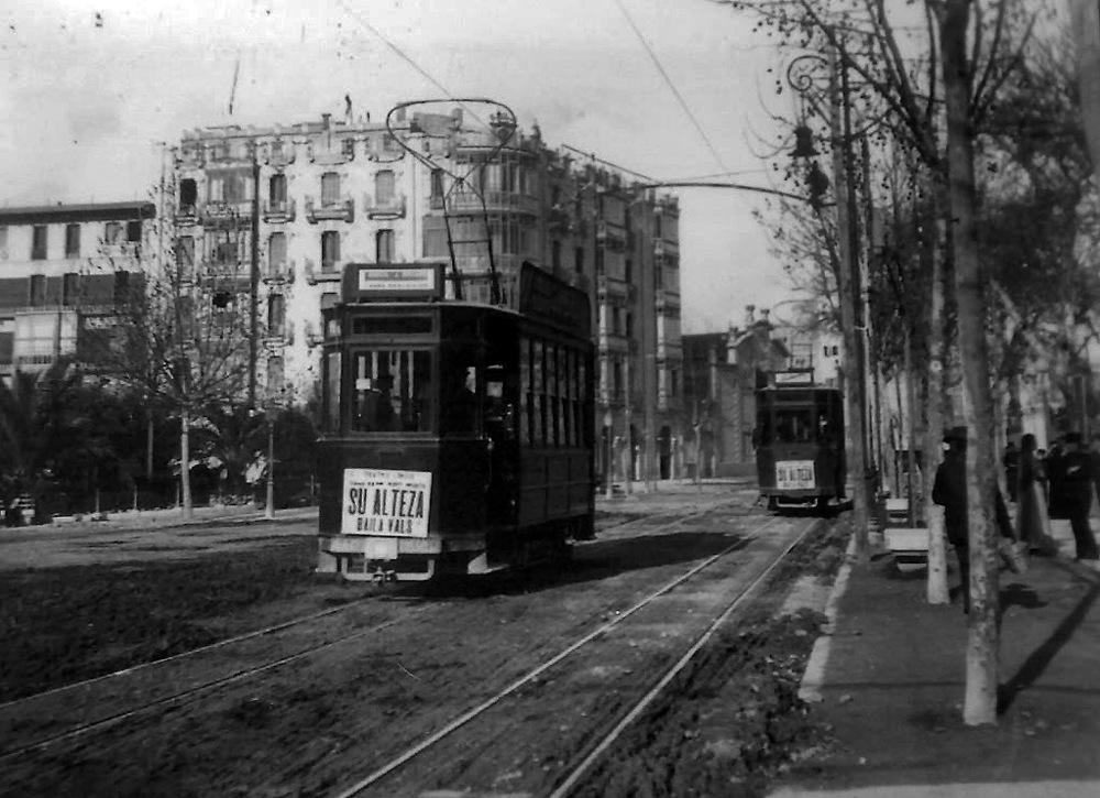 Tramvajová síť umožňovala jen provoz bez vlečných vozů. Ve většině úseků byla ještě v 50. letech jednokolejná. (zdroj:  tranviasdepalma.blogspot.com)