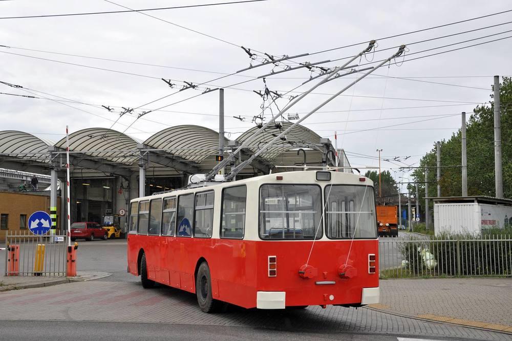 Kompletně by měl být trolejbus dokončen do 19. 9. 2016. (foto: Karol Grzonka)