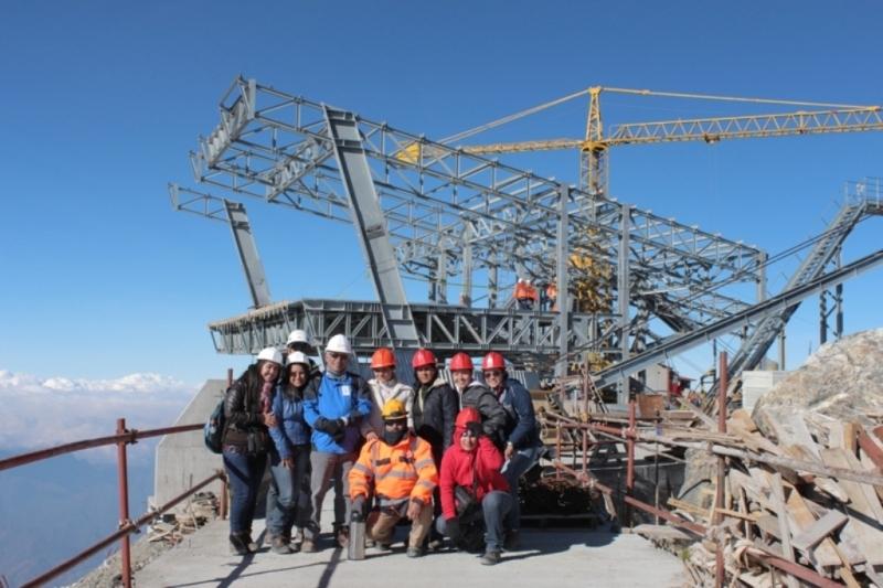 Takto vypadala v březnu 2015 při návštěvě jednoho inspekčního výboru vyslaného venezuelskými úřady nově budovanávrcholovástanice lanové dráhy vedoucí z Méridy na horu Pico Espejo. (foto:Ministerio del Poder Popular para el Turismo)