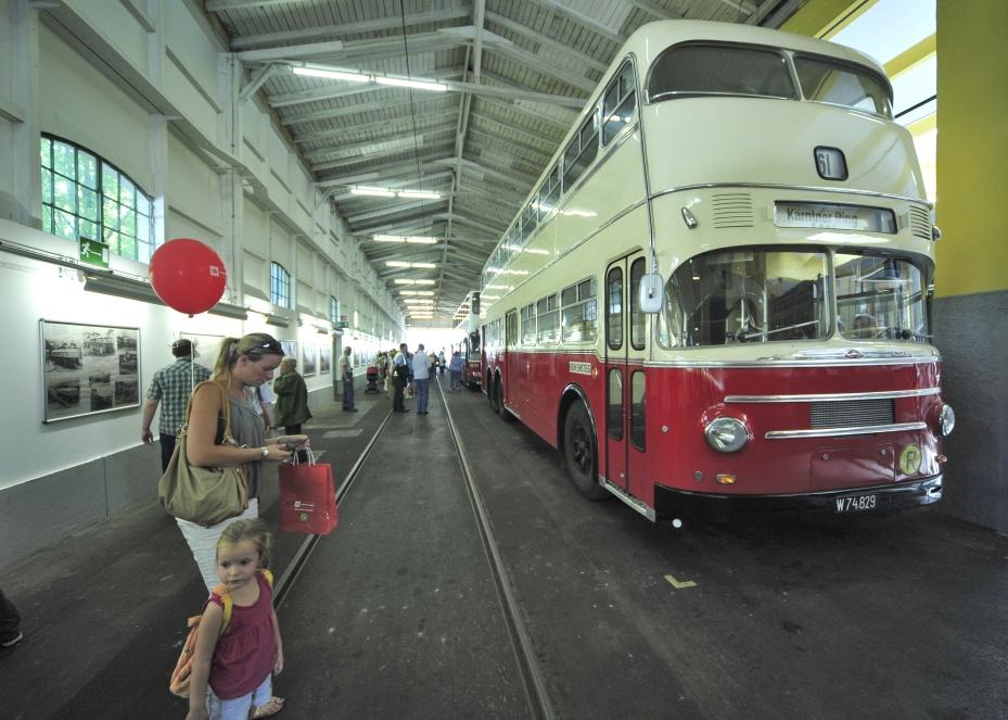 Den otevřených dveří se bude letos konat v garážích Raxstraße. (foto: Wiener Linien, Johannes Zinner)
