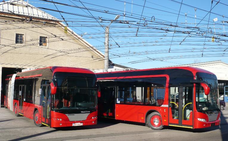 Snímek pořízený v salzburgskévozovně dne 20. února 2008 ukazuje vozy ev. č. 1 a 11 (foto: trolley:motion)