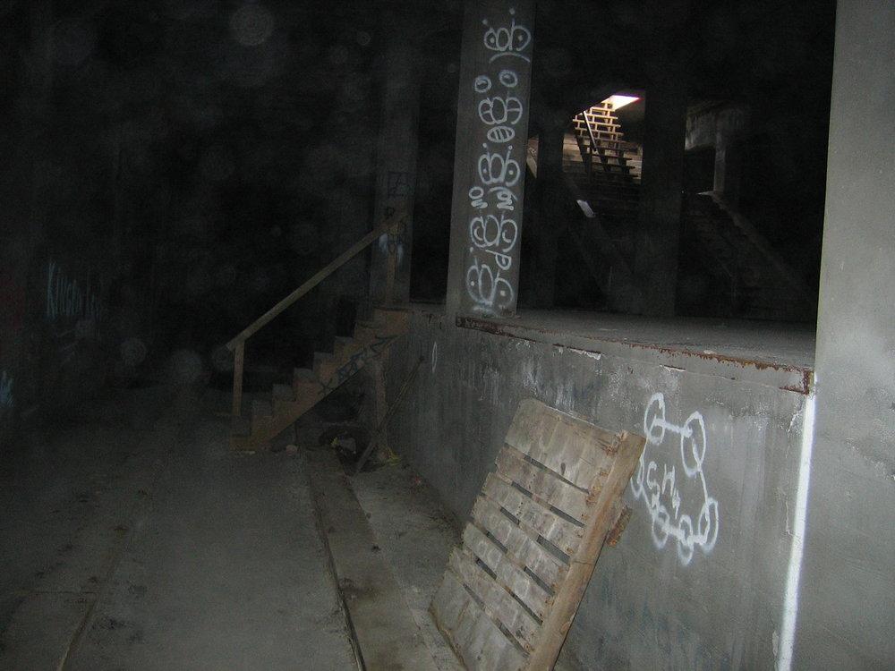 Pohled na nástupiště rozestěvěného systému metra. (zdroj: Wikipedia.org)