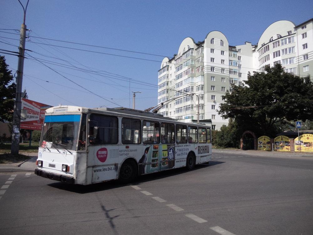Vůz ev. č. 174 jezdil stejně jako ev. č. 171–173 a 175 v Plzni, a to do roku 1997. Ve všech pěti případech hovoříme o typu 14Tr07. Vůz ev. č. 173 už nejezdí, naposledy přepravil cestující v roce 2008.