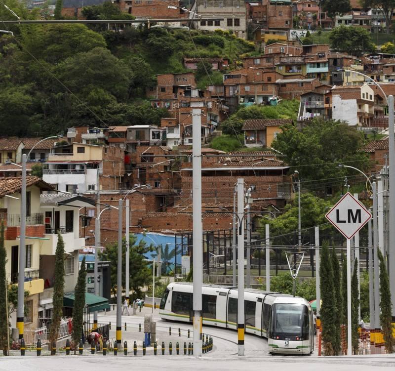 I z tuctové ulice lze učinit zajímavý bulvár. (foto:Empresa de Transporte Masivo del Valle de Aburrá Limitada)