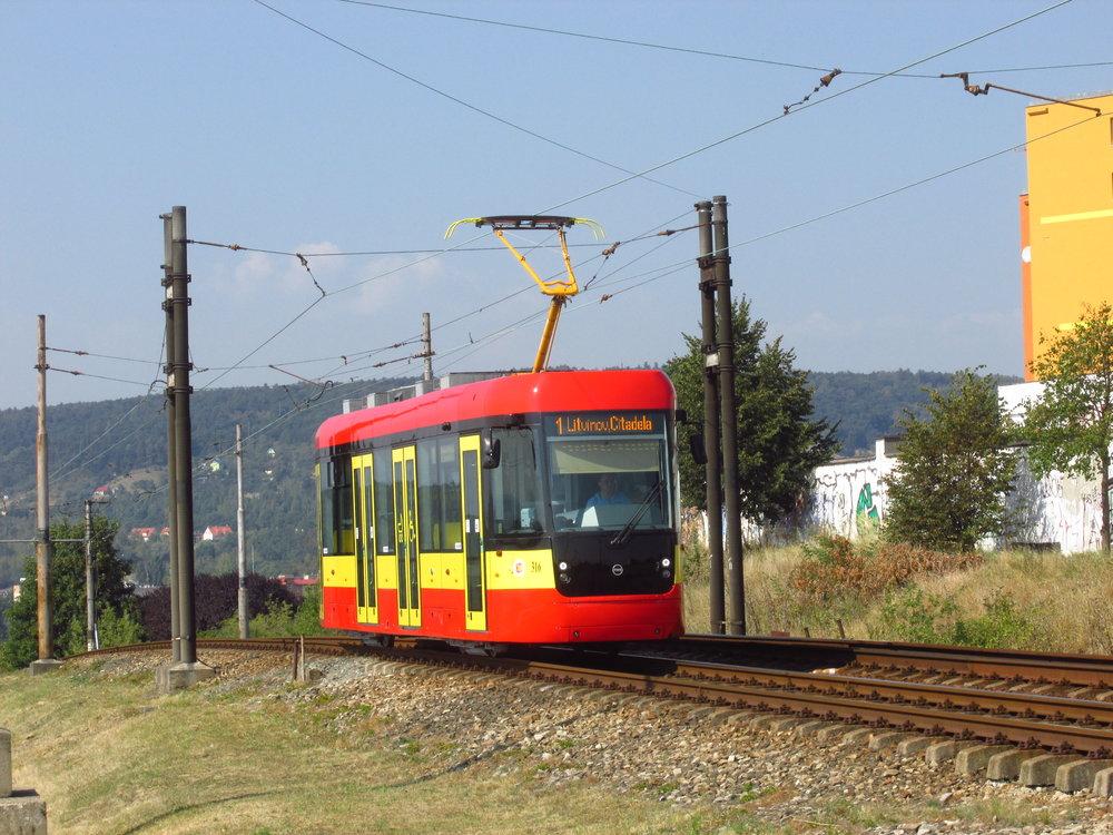 Vůz EVO1 v Mostě. (foto: Ing. Filip Jiřík)