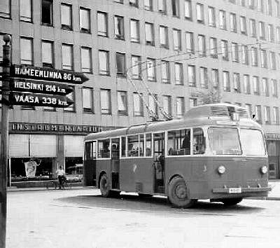 V minulosti jezdily v ulicích Tampere i trolejbusy. (zdroj: Wikipedia.org)