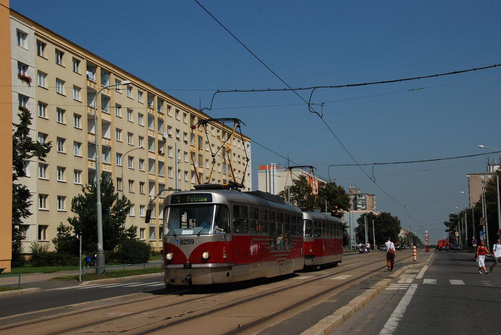 Praha má v současné době k dispozici vozy T3R.PLF v počtu 33 kusů. (foto: Libor Hinčica)