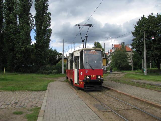 Bydgoszcz chce kromě tratí investovat i do nákupu nových vozidel. Na snímku vůz Konstal 805Na. (zdroj: Wikipedia.org)