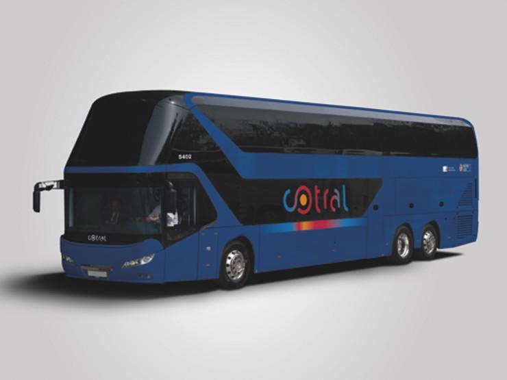 Zájezdový NEOPLAN Skyliner bude sloužit jako meziměstský autobus. (foto: MAN Truck & Bus)