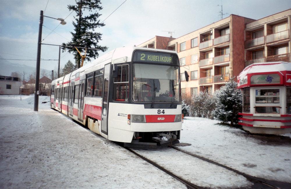 Prototyp RT6N1 během svého krátkého působení v Liberci na trojúhelníku Kubelíkova dne 23. 12. 1998. (foto: Ing. Filip Jiřík)