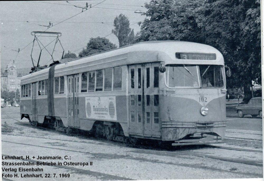 Článkové tramvaje PCC byly provozovány pouze v Sarajevu. Fotografie byla použita z publikace Strassenbahn-Betriebe in Osteuropa II. (foto: H. Lehnhart)