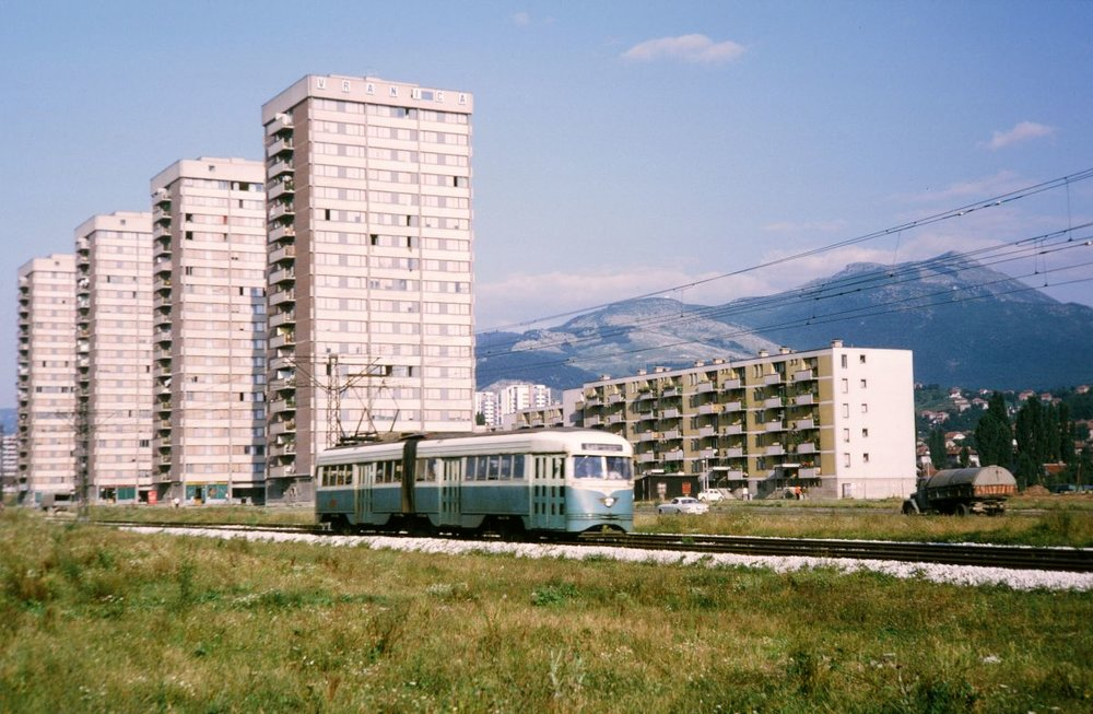 Poslední tramvaje PCC byly vyřazeny v Srajevu z provozu až v roce 1984. Unikátní článková tramvaj se do dnešních dnů nedochovala žádná. (sbírka: Jan Čihák)