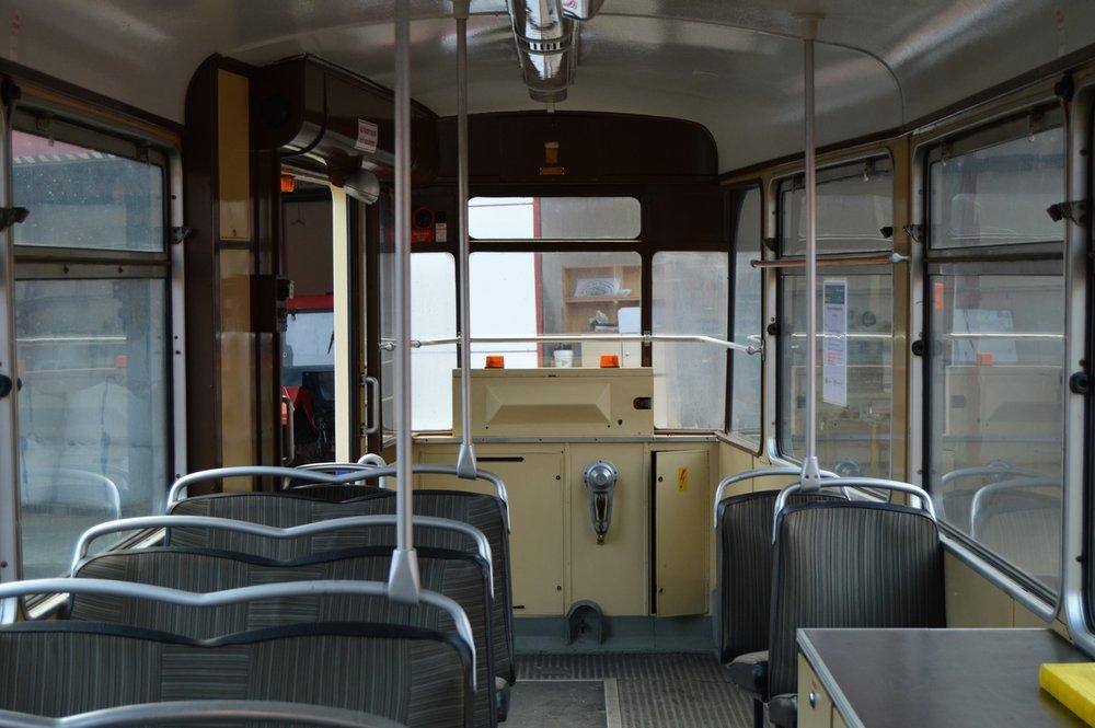 Pohled na zadní plošinu vozidla, jež sloužilo pro potřeby autoškoly. (foto: Zdeněk Mazánek)