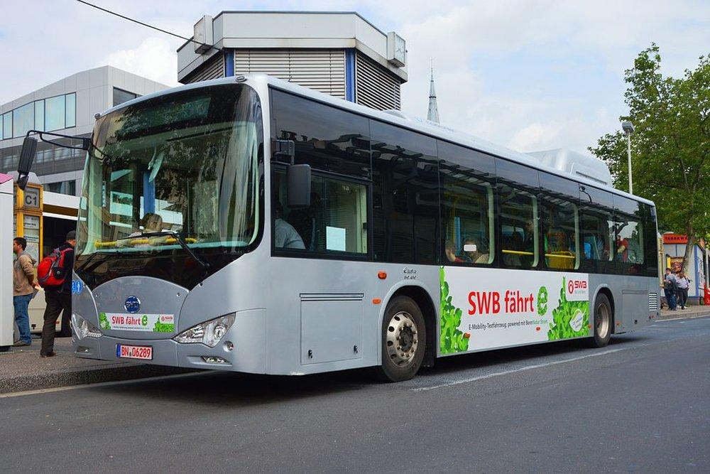 Elektrobus BYD K9 během zkoušek v Bonnu v roce 2013. (zdroj: Wikipedia.org)