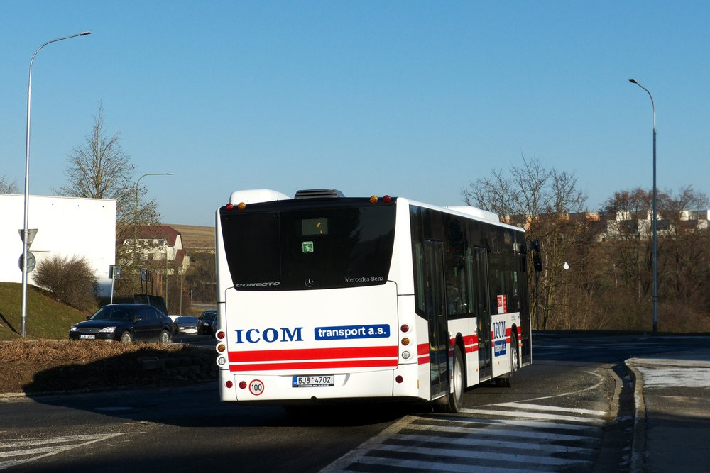 Pohled zezadu na nové Conecto ve službách třebíčské MHD. (foto: Marek Juránek)