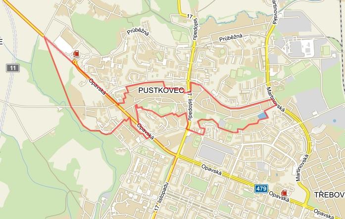 Poruba má v současné době dvě tramvajové tratě - jedna vede po ulici Martinovské směrem do Martinova, druhá - ta významnější - směřuje po ulici Opavské a dále pak jižně po ulici 17. listopadu. Dlouhodobě se řeší otázka tramvajového napojení sedmého a osmého porubského obvodu (nepřetržitě v podstatě od 60. let 20. století), které jsou situované v horní části mapy. Mezi nimi se nachází obvod Pustkovec (vyznačen červeně). Vést tramvajovou trať mimo jeho území je v podstatě nemožné. (mapový podklad: Mapy.cz)