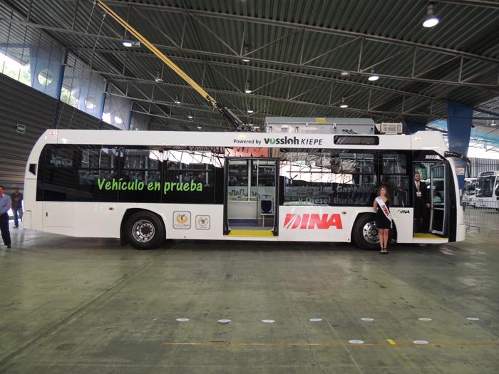 První trolejbus vyrobený společností DINA na snímku z roku 2013. (snímek: DINA Camiones)