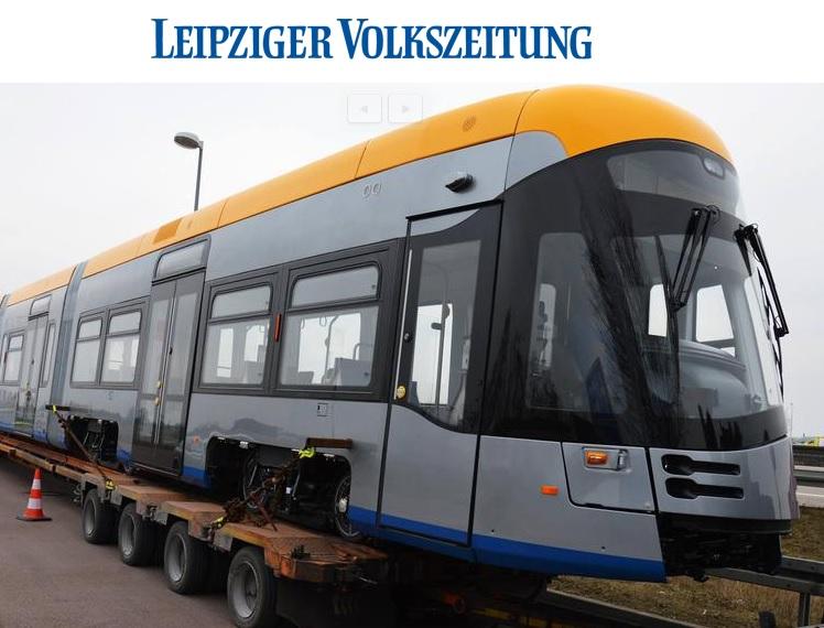 Tramvaj Solaris Tramino pro Lipsko ukázal německý deník Leipziger Volskzeitung. Fotografii pořídil čtenář novin Lothar Hammer. (Print Screen webové stránky www.lvz.de, foto tramvaje:Lothar Hammer)