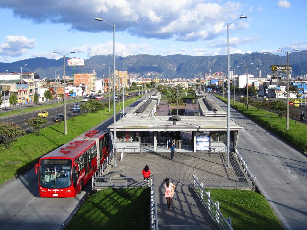 Na první pohled působí BRT systém v Bogotě dobře a klidně... (foto: Wikipedia)