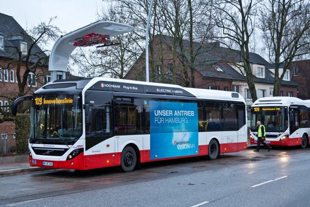 Volvo se se svými plug-in hybridy uchytilo také v německém Hamburgu. (foto: Volvo Buses)