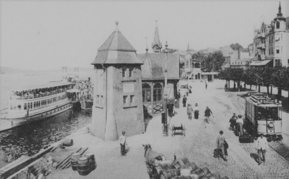 Tramvaj ve Wiesbadenu u břehu Rýna na historické pohlednici. (sbírka: Libor Hinčica)