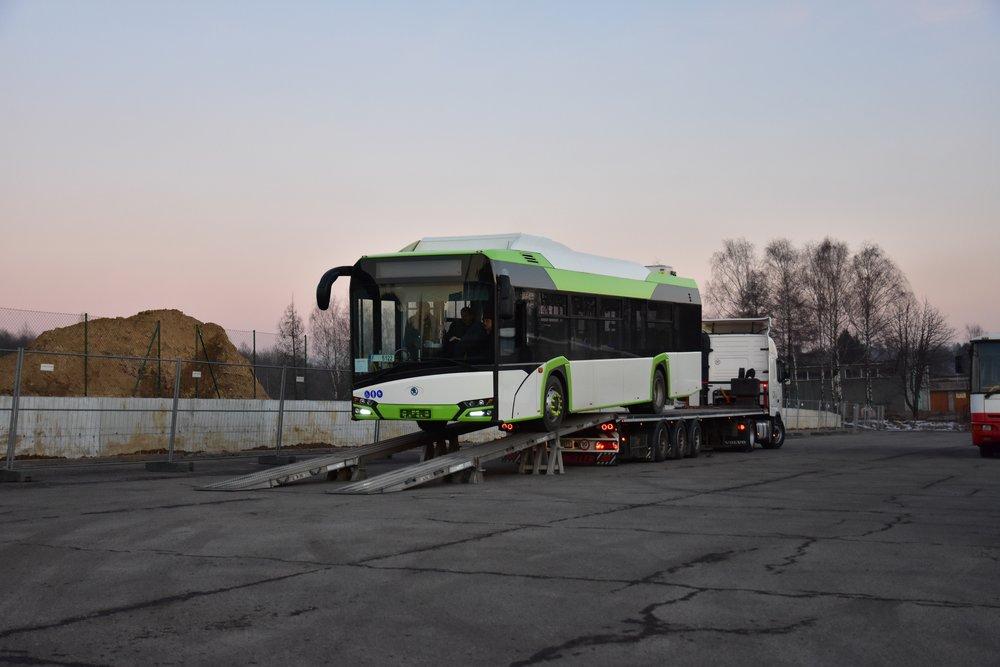 Jeden z prvních elektrobusů Škoda Perun v Třinci. (foto: Arriva)