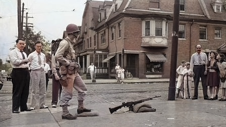 Vojáci museli také hlídat klid v ulicích. Celkem jich mělo být ve Filadelfii 5 000, podle jiných zdrojů dokonce 8000. (zdroj: hiddencityphi.org)