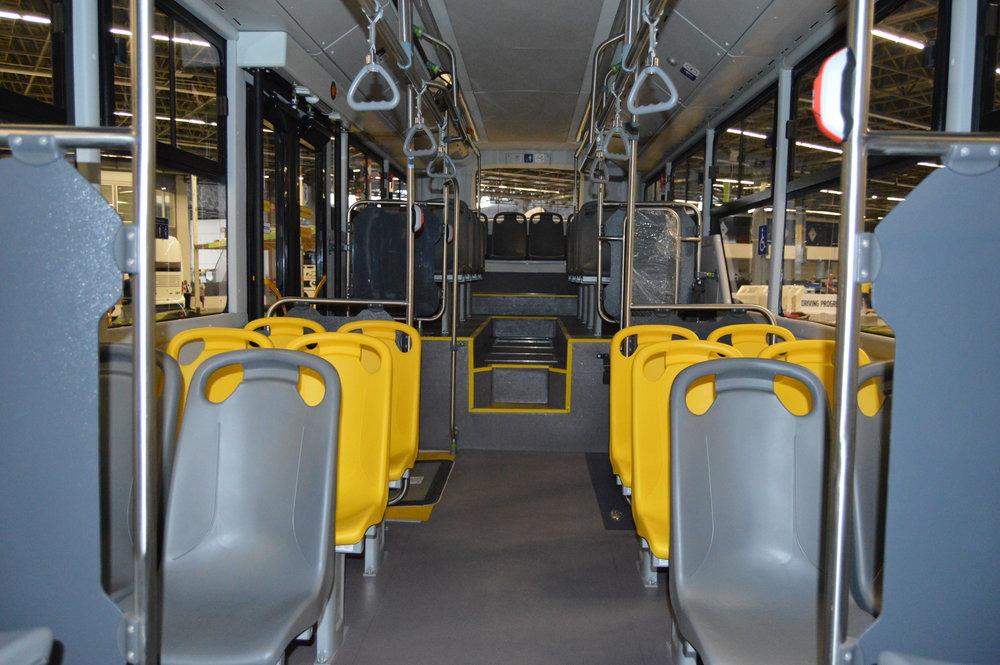 Interiér trolejbusu.