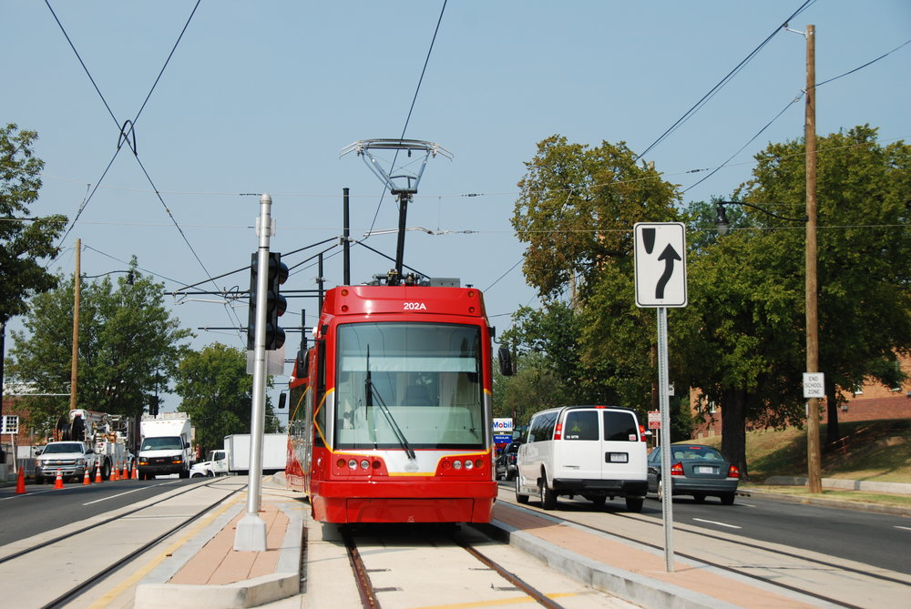 Tramvaj United Streetcar ve Washingtonu, D. C. Tramvaj byla postavena za využití licence české společnosti Škoda Transportation. (foto: Libor Hinčica)