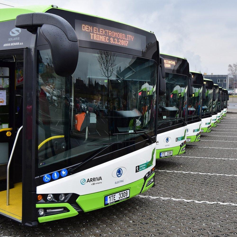 Elektrobusy Škoda Perun HE v Třinci. (foto: Miroslav Halász)