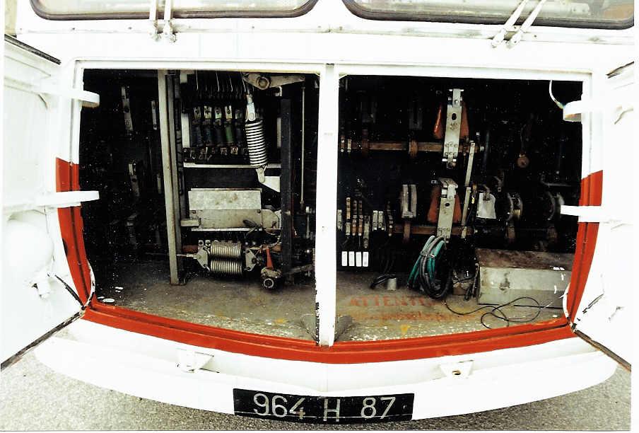 Ex-limožský vůz ev. č. 5 je dnes uchováván v muzeu v trolejbusovém muzeu ve Sandtoftu, toto je jeho skříň s výzbrojí. (foto:Martin Nimmo)