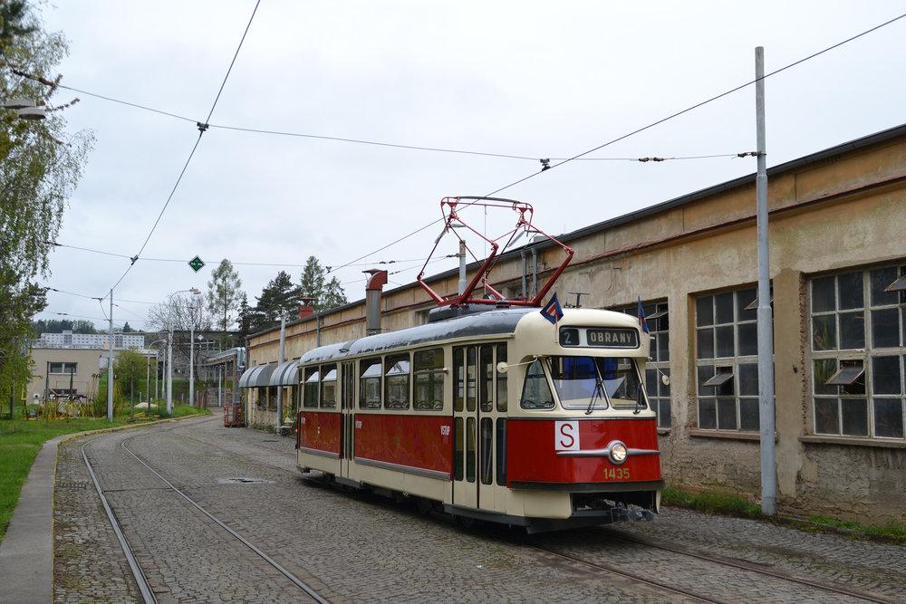 Vůz T2 ev. č. 1435 po dokončené rekonstrukci. (foto: Ing. Jiří Černý)