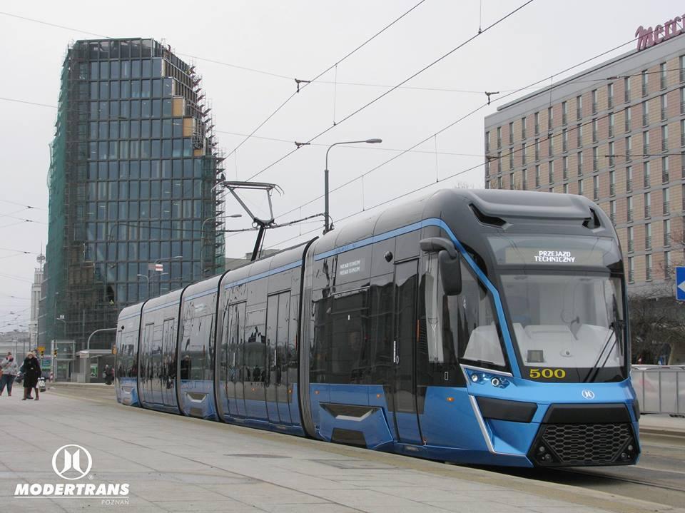 Prototyp tramvaje Moderus Gamma ev. č. 500 v ulicích Poznaně. (foto: Modertrans)
