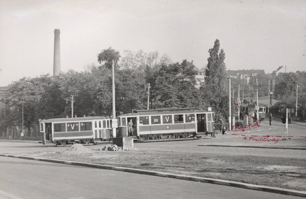 Fotografie z rekonstrukce atentátu. (sbírka: Jaroslav Čvančara)