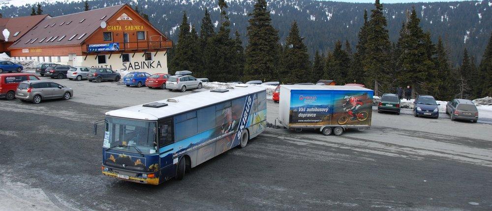 Vozík pro kola je v zimě využíván pro přepravu lyží. (foto: Libor Hinčica)