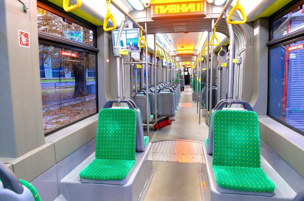 Interiér tramvaje pro Lvov. (foto: Electron)