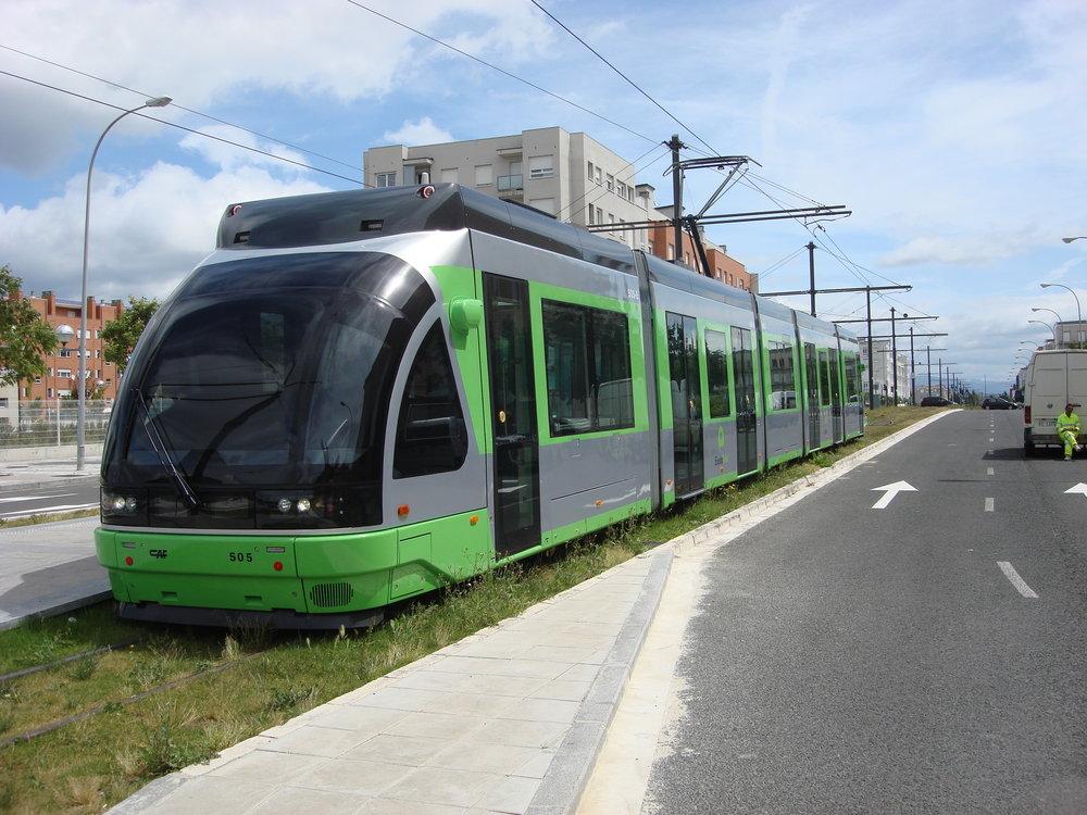 Tramvaj ve Vitorii na snímku z roku 2009. (foto: Alfonso Marco Pérez)