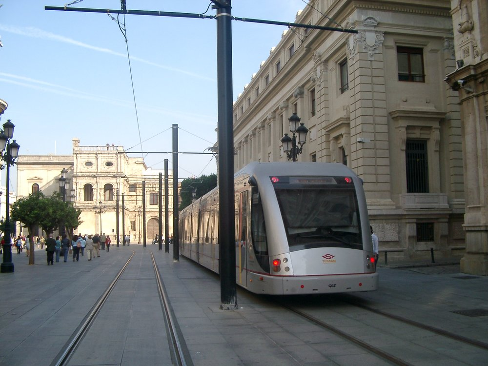 Tramvaj Urbos 2 v říjnu 2007. (foto: Miguel Cano López-Luzzatti)