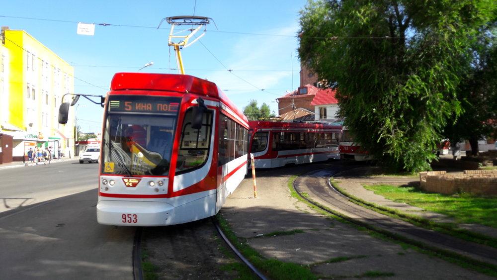 Jedna z nových tramvají typu 71-623-02.01.
