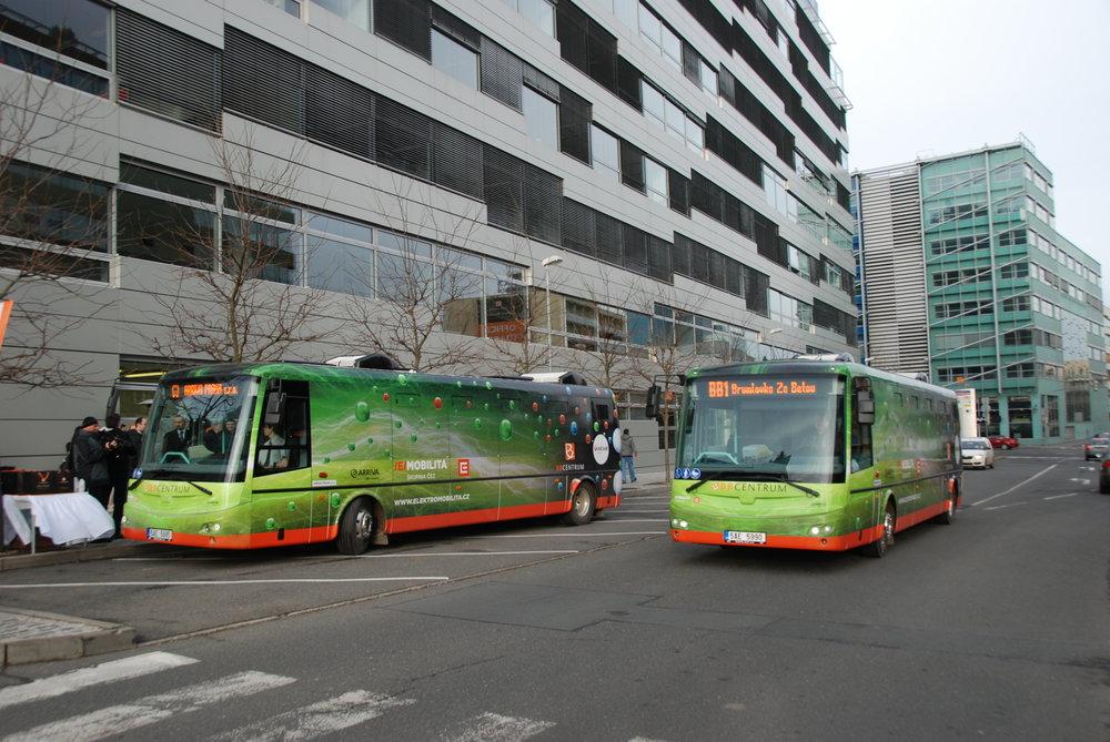 Elektrobusy SOR EBN 9,5 provozuje i Arriva City v rámci obsluhy tzv. BB Centra v Praze. (foto: Libor Hinčica)