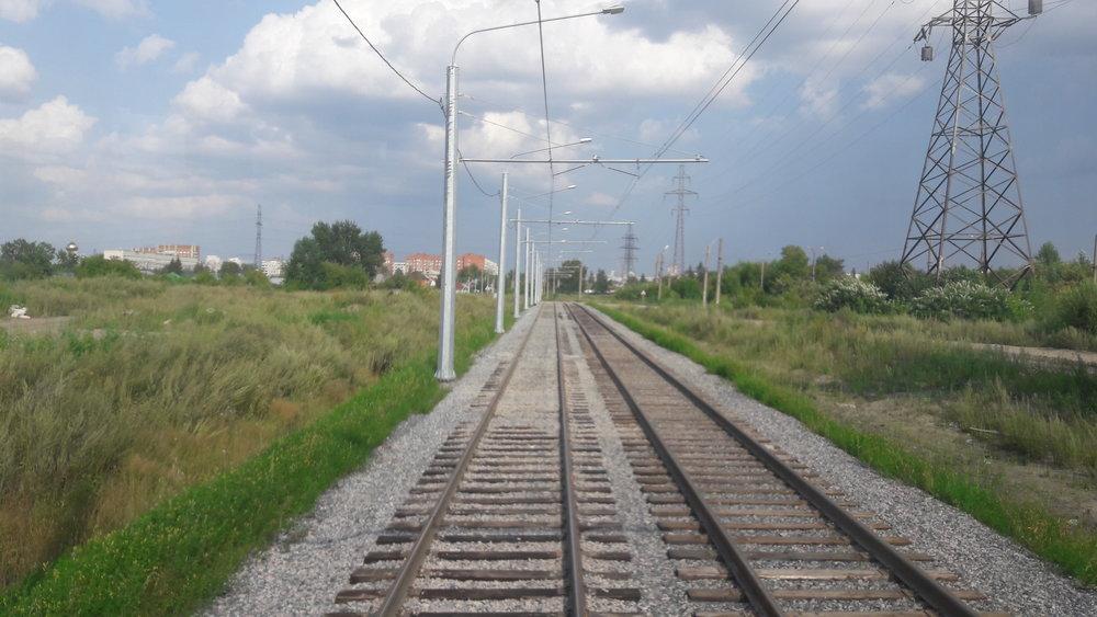 Nový tramvajový úsek (pohled směrem na východ).