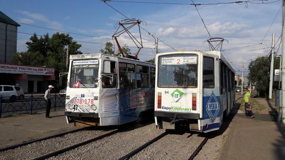 Tramvaje u zastávky Prochodnaja LVRZ v severní části města.