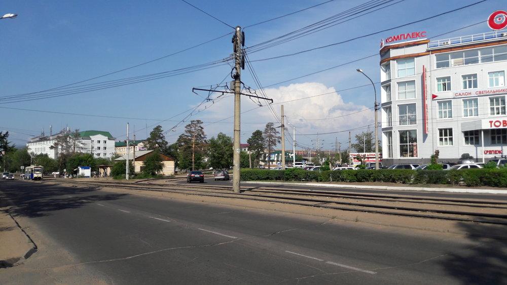 Tento a další snímky zachycují dnes nevyužívanou smyčku na Sach'janovoj ulici.