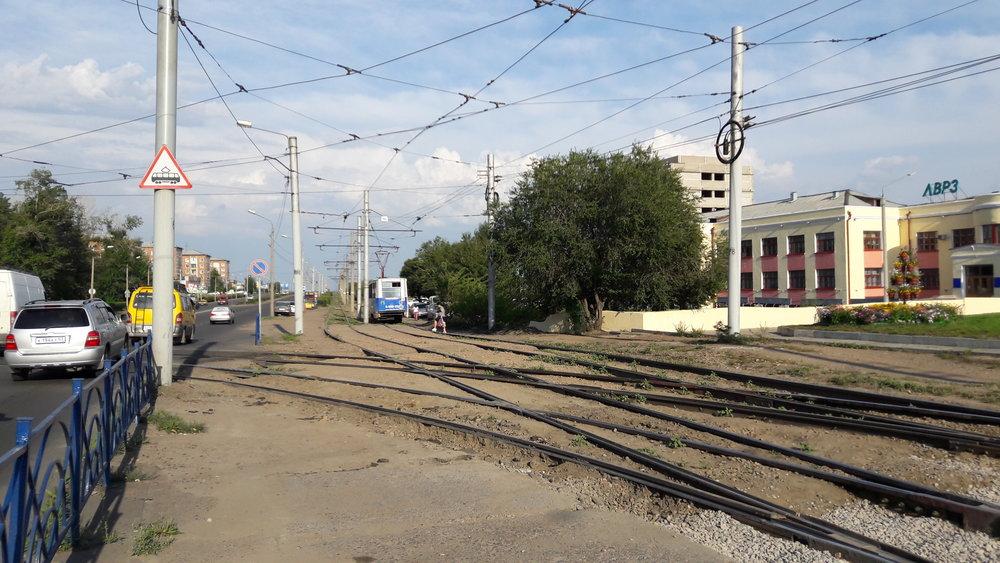 A ještě jednou místo, kde se trať k LVRZ napojuje na hlavní tramvajový okruh.