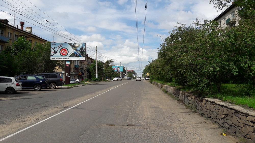 Ulice Novobul'varnaja, pohled na trať od konečné ZabVO.