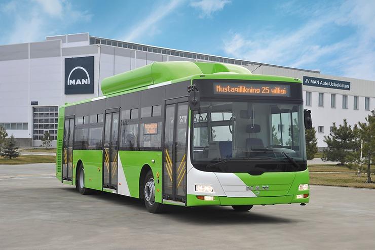 Nízkopodlažní autobus MAN vyrobený v Uzbekistánu v sobě nezapře svůj předobraz v modelu MAN Lion's City. (foto: MAN Truck & Bus)
