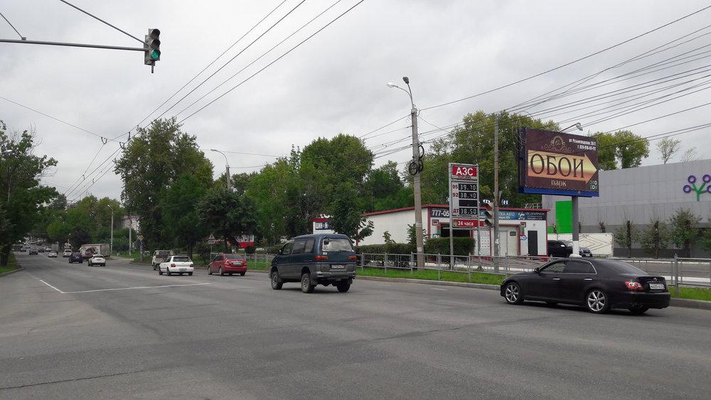 Trolejbusová trať na Leningradské ulici má využití téměř nulové.