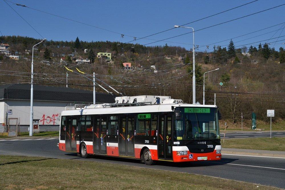 Trolejbus SOR TNB 12 ev. č. 3703 během zkoušek v Brně. (foto: Ing. Jiří Černý)