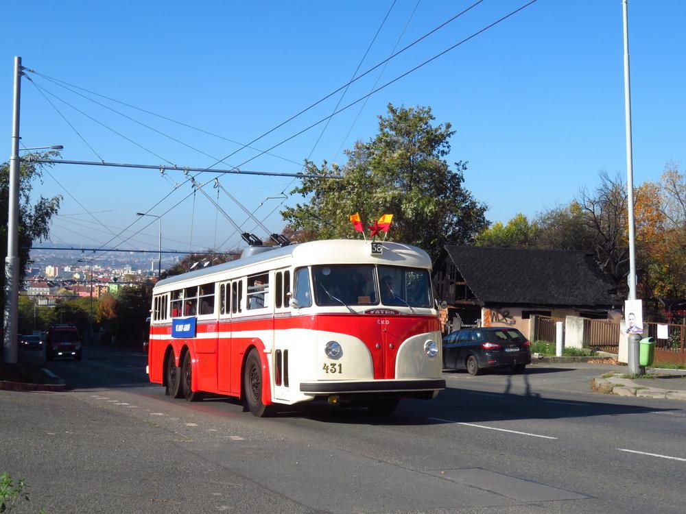 Trolejbus Tatra 400 ev. č. 431 první den provozu na nové trati. (foto: Ing. Filip Jiřík)