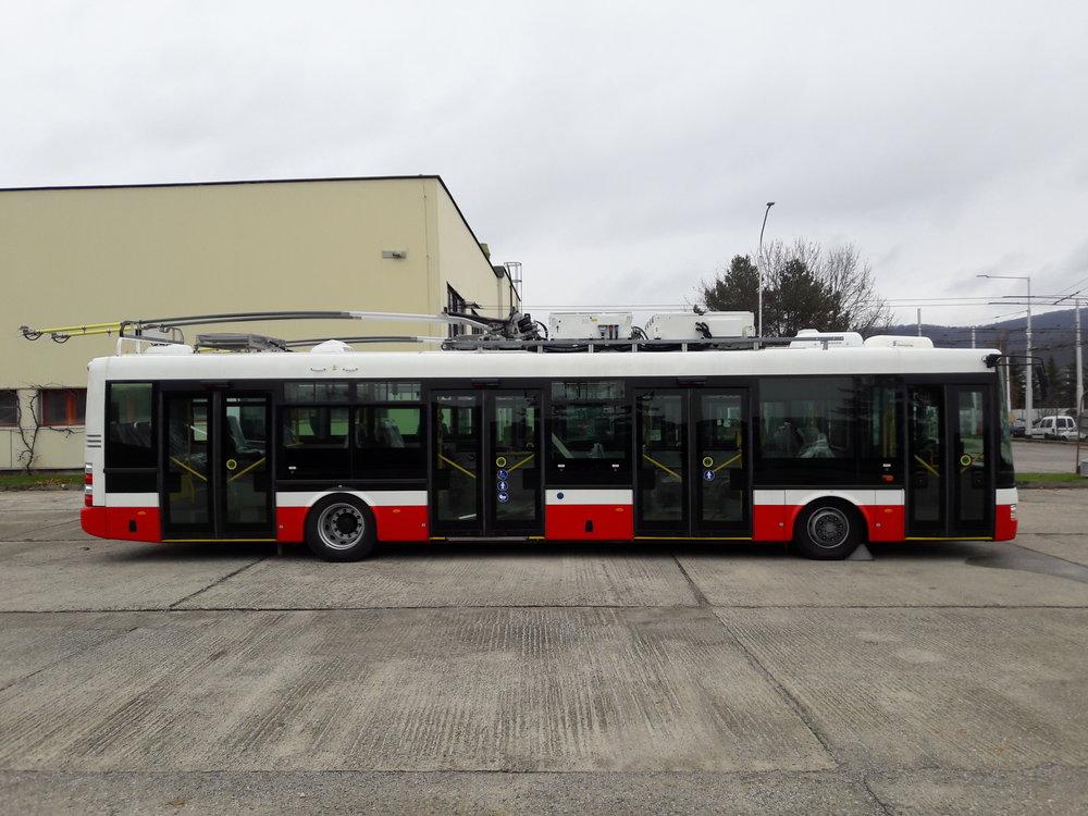 Parciální trolejbusy by mohly díky bateriím napojovat i oblasti bez trolejového vedení, jmenovitě by mohly jezdit ještě více na jih od vozovny, a to do okrajové části Banské Bystrice zvané Rakytovce, kde se stavba trolejového vedení kvůli nepříliš vysoké poptávce nejeví jako ekonomicky výhodná. Dopravce se netají ambicemi dovést trolejbusy ještě do dalších destinací (např. sídliště Sásová, Podlavice), a to i formou trolejí, byť se zatím jedná o výhled a nemalou roli bude hrát (ne)možnost čerpat dotace z evropských fondů.